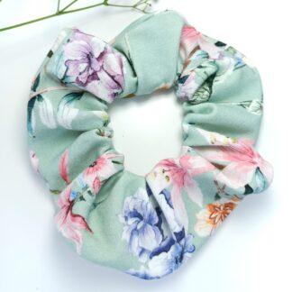 Scrunchie - miętowe kwiaty